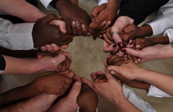 Христиане из более чем 100 стран приняли участие в Международном дне молитвы за гонимую Церковь (IDOP), сообщает 316NEWS со ссылкой bognews.org. «Писание утверждает, что христианская жизнь призыв к славе через страдания. Ежедневно христиане во всем мире подвергаются преследованиям в различных форма