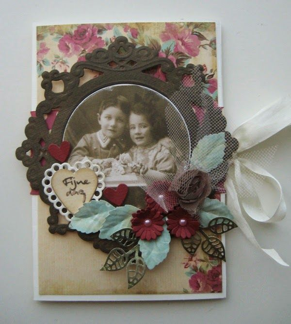 Card made by DT member Boukje with among others Creatables Petra's circle & crown (LR0317), Craftables Daisy and leaves (CR1272) and Collectables Candy Hearts GB (COL1307) by Marianne Design