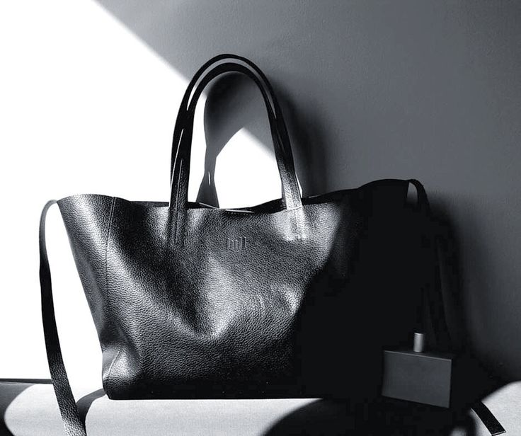 Hello, start new day with LULL bag  Black Tote. Order at lull.com.pl  #lull #lullbags #fashionblogger #fashion #form #fashionista #musthave #fashionaddict #minimal #leatherbags #italianleather #style #vogue #madewithlove #igstyle #ootdmagazine #design #light #luxury #design #blogger #lulldesign