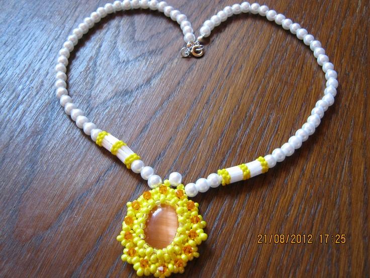 yellow-white style