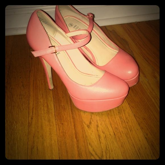 Peach heels perfect for any occasion They have been worn 3 times but are in good shape Shoes Heels
