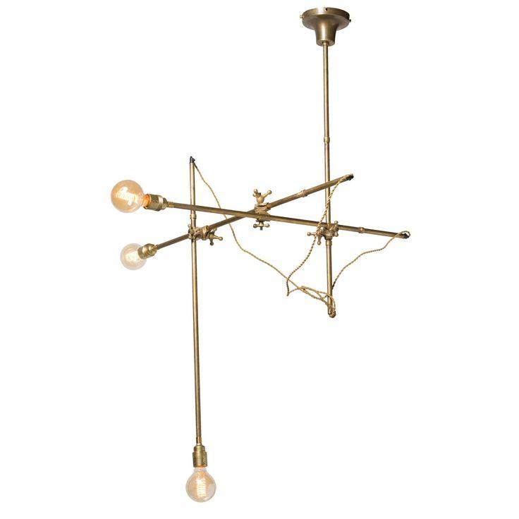Tokyo taklampe fra Watt & Veke. En skikkelig kul taklampe med fine detaljer, produsert i messing...