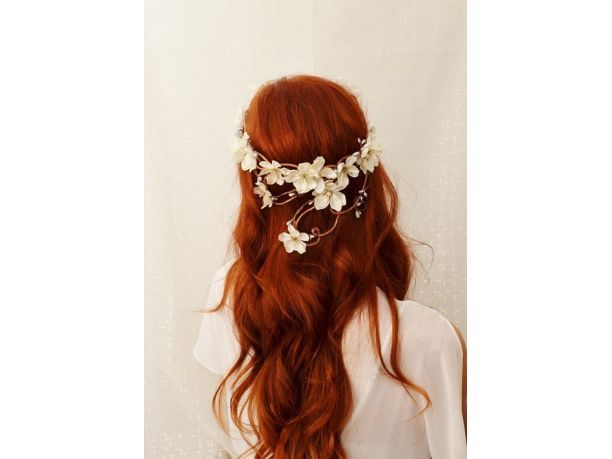 Long, red hair ;)