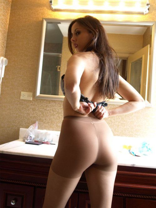Collection Dressed In Pantyhose Pictures - Amateur Adult Gallery
