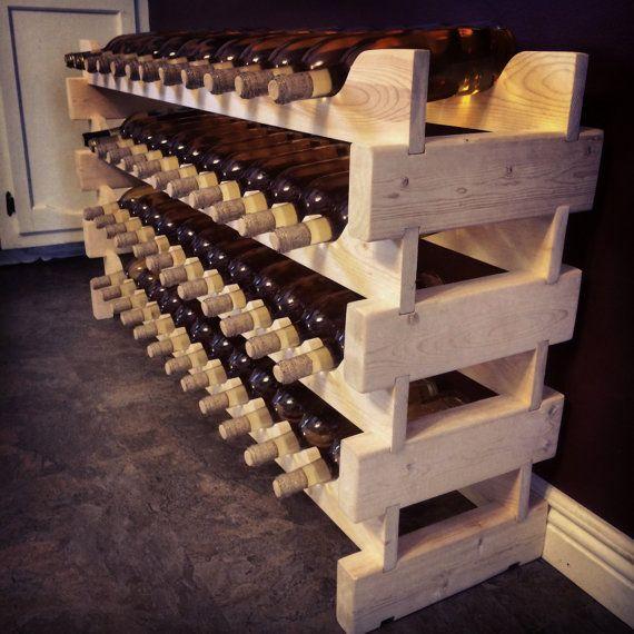 SALE *** 72 bouteille casier à vin Ce casier à vin autonome, empilable, est fabriqué à la main avec fierté dans le Michigan. Chaque niveau est sécurisé avec notre Benchdog Studio Pin Lock System® exclusif. Conçu pour l'orientation de la bonne bouteille, b
