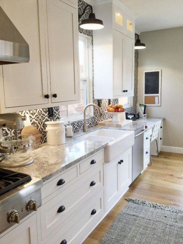 Inspiring White Farmhouse Style Kitchen Ideas To Maximize Kitchen Design 18 Small Farmhouse Kitchen Small Cottage Kitchen Farmhouse Kitchen Inspiration