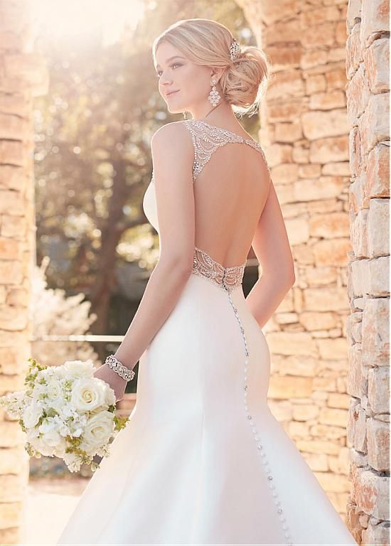Alluring Satin V-neck Neckline Mermaid Wedding Dresses With Beaded Embroidery