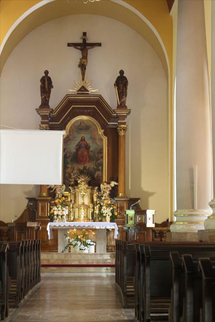 Wnętrze kościoła Opatrzności Bożej w Jaworzu