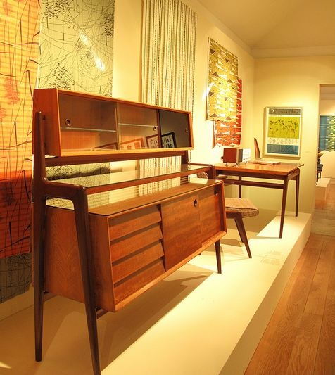 Robin and Lucienne Day  50s   Pioneers Designers   The furniture designer  ROBIN DAY. 1209 best Mid Century Modern images on Pinterest   Midcentury