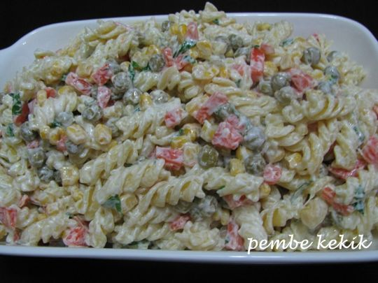 pembe kekik: Yoğurtlu Makarna Salatası
