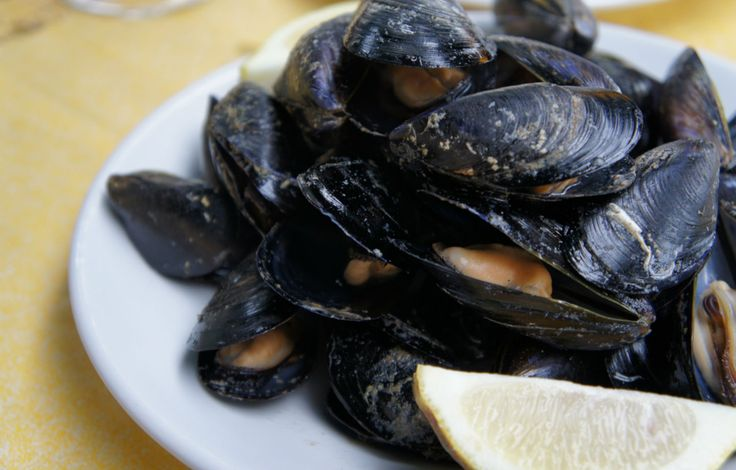 Make the most of your grill this summer by cooking everything you can on it: Mussels are the newest ingredient to add to your grilling repertoire.