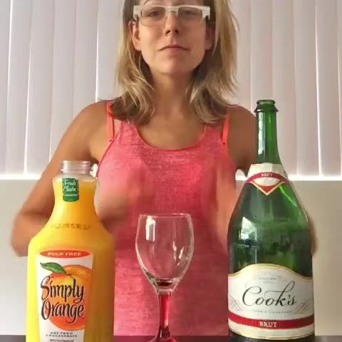 """Watch Ali Spagnola's Vine, """"How to make a mimosa (in 6 seconds)"""""""
