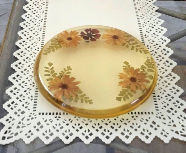 Dried Flower Trivet Vintage Pressed  Flower Resin Hot Pad 1960s Kitchen Tool Country Farmhouse Nature Tableware Rustic Home Decor by KarmaKollectibles on Etsy https://www.etsy.com/listing/534102616/dried-flower-trivet-vintage-pressed