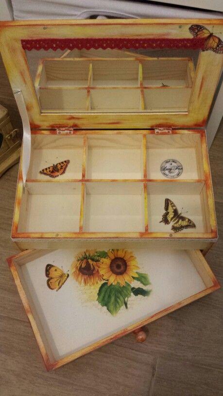 drevena sperkovnica (wooden jewelry box)