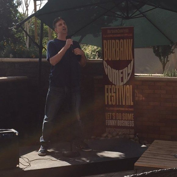 "Hello. My name is Shawn. My wife is Asian.....uh sir...that's not the punchline."" @shawngnandt on the patio @burbankhiltongardeninn during the @burbankcomfest  #funnybusiness"