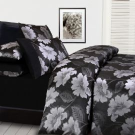 Add this luxurious quilt cover set to you bedroom Manchester collection! #bedroom #manchester #quiltcover #quiltcoverset