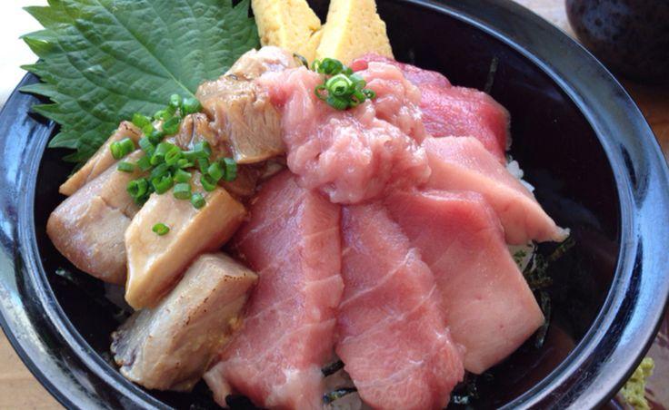 静岡県には焼津港をはじめとする数多くの漁港があるので、太平洋で水揚げされたプリプリな魚介類がお店に届きます。新幹線が停車する静岡駅は一日に六万人前後が乗降しており、駅ビル「パルシェ」のある北口・南口ともに整備が進んでいます。最近ではB級グルメが話題となり、ボリュームたっぷりのお店も登場しています。 食べログまとめには外食経験豊富な食べログレビュアーによる、独自の切り口のまとめ記事が満載。ここにしかないグルメ情報をお楽しみいただけます。