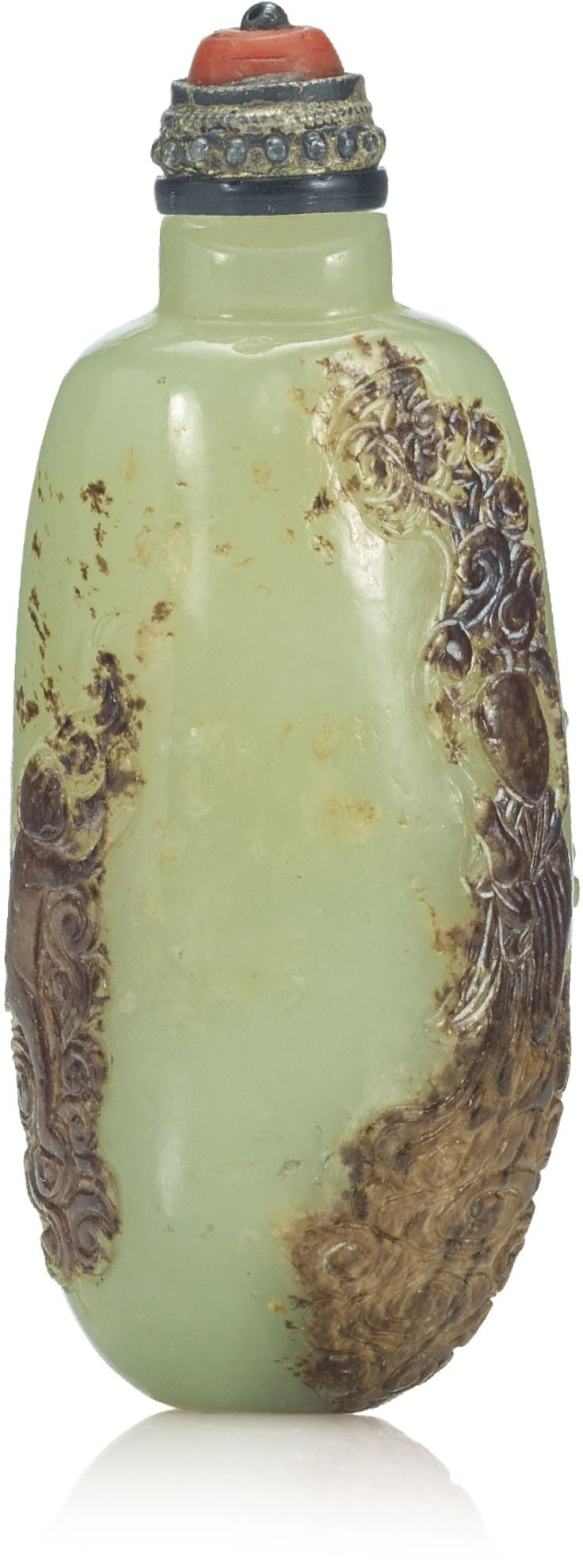 PROPERTY FROM THE COLLECTION OF ROBERT AND MAURINE MUNTZ A YELLOW AND RUSSET JADE 'IMMORTAL' SNUFF BOTTLE QING DYNASTY, 18TH / 19TH CENTURY Estimate  2,000 — 3,000  USD