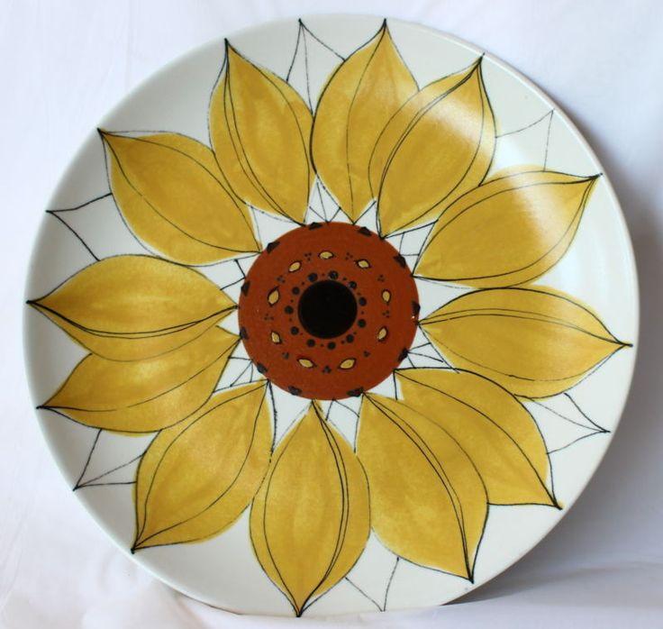 Vintage ARABIA SUNFLOWER CHARGER Large Plate Platter Hikka Liisa Aloha