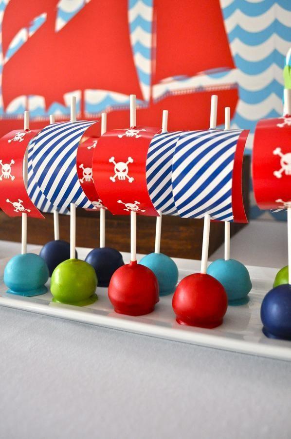 So kann man süß das Essen für die Gäste zum Kindergeburtstag mit dem Motto Pirat dekorieren.  Vielen Dank für diese schöne Idee!  Dein balloonas.com    #balloonas #kindergeburtstag #essen #pirat #motto #party  #food