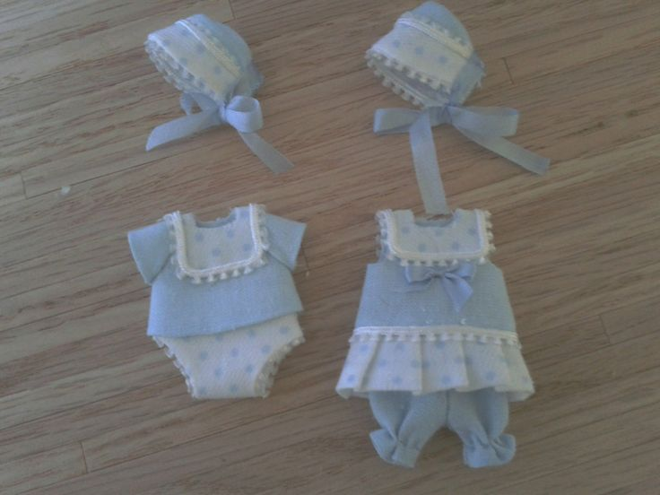 Miniature dollhouse dolls clothing are these crochet or knitted I am looking for help for my collections I can work anymore for had a back injury so money is tight so I am looking for help from anyone who will help me out please help or if you know anyone that would be great thanks