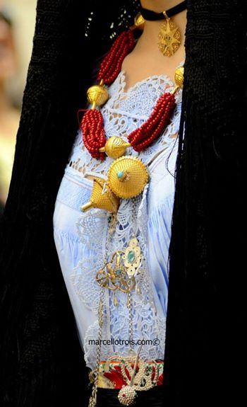 Oliena - Sardinian traditional dress