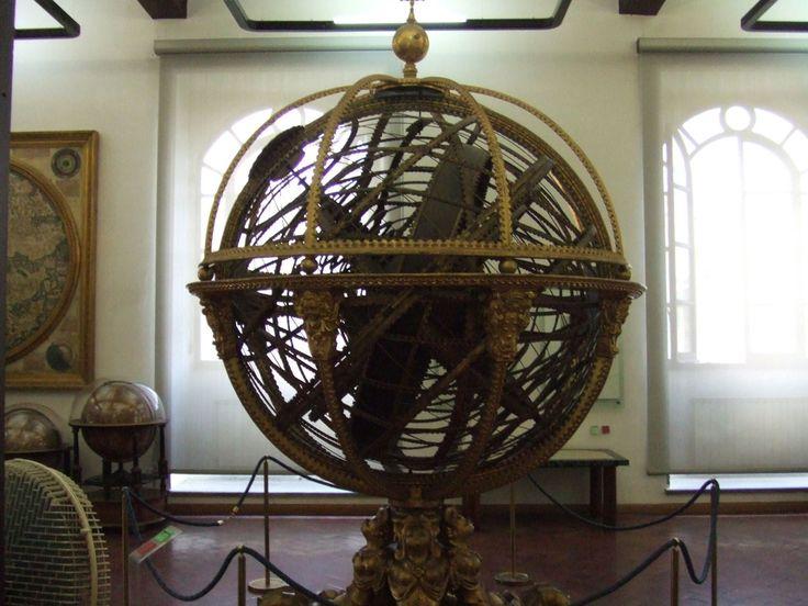 Sphère armillaire - Le plus grand modèle de Santucci à Florence (1585).