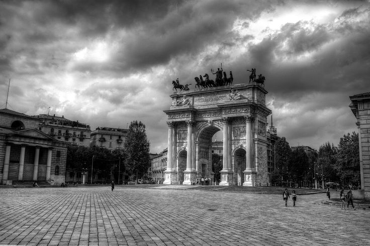 HDR photographer: Triumphal Arch in Milan