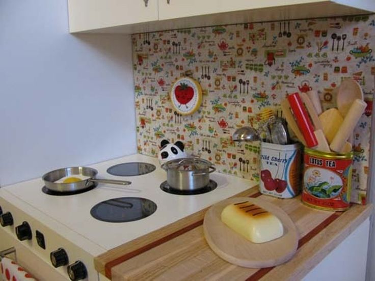 """Henry's """"Working"""" Play Kitchen"""