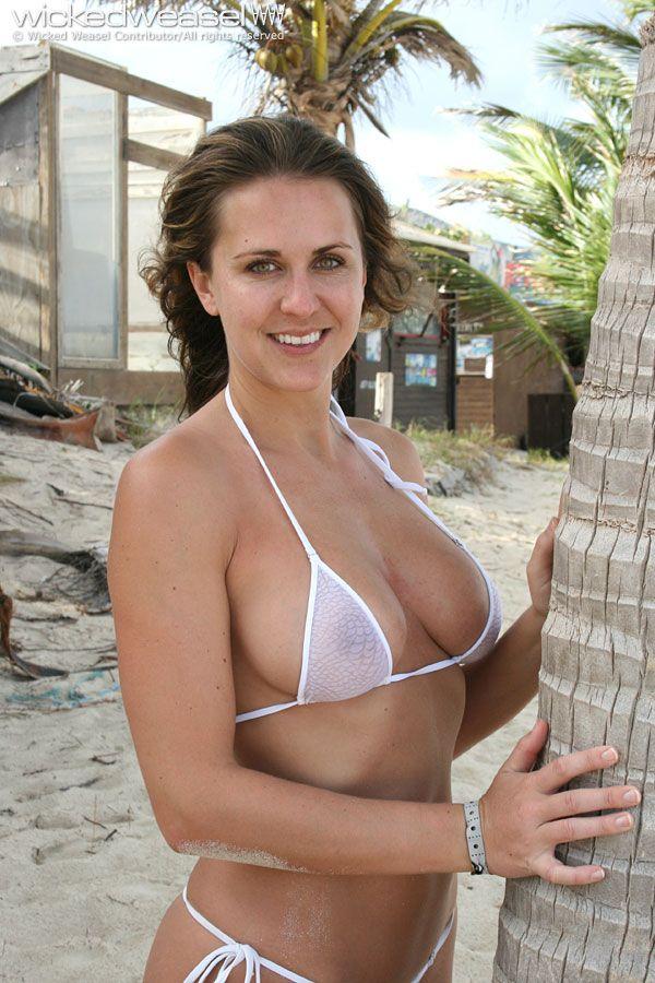 201 Pingl 233 Par Mathew Sur Bikinis Pinterest