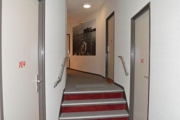 couloir hôtel à Cherbourg dans l'hôtel Ambassadeur