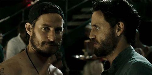 Édgar Ramírez has his eyes on Luke Bracey in the 'Point Break' remake.