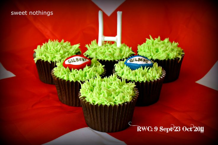 Rugby Cupcakes (1)