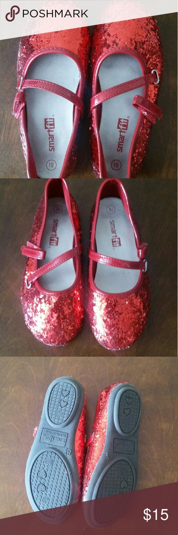 Girl's red shoes Adorable little red shoes for toddlers, size 8.5, barely worn Shoes Dress Shoes
