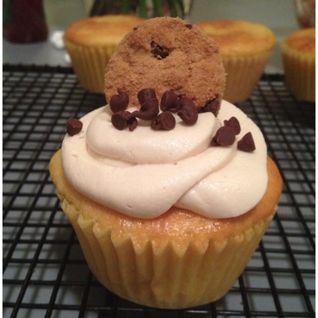 Chocolate chip cookie dough cupcakesCookies Dough Cupcakes, Cookie Dough Cupcakes, Chocolates Chips Cookies, Chocolate Chip Cookie