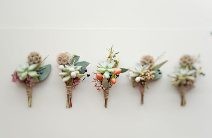 Gorgeous succulent boutonnieres #boutonnieres #succulents #weddingenvy