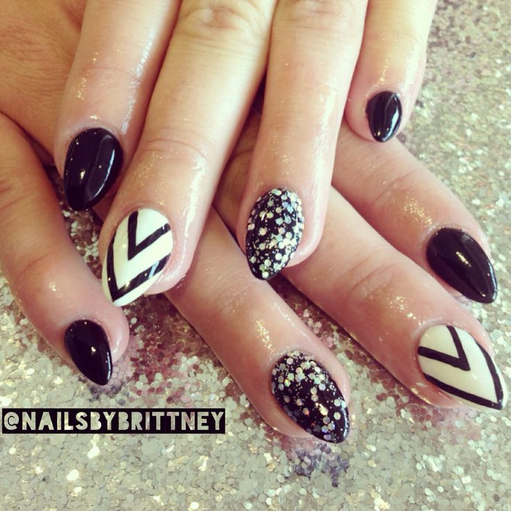 Black almond nails | Nails | Pinterest