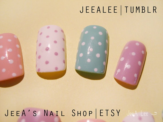 Cute way to paint toenails.: Nails Art, Beautiful Nails, Polka Dots Nails, Nails Pretty, Nails Ideas, Pastel Nails, Fancy Nails, Paintings Toenails, Fingers Nails
