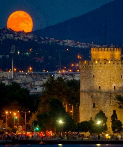 Thesaloniki at night..