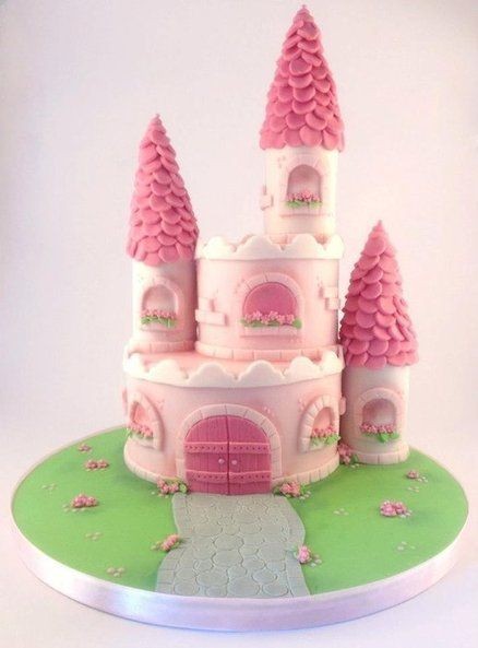 Princess castle cake~ I am planning on making something like this for Kim's 8th B-Day.