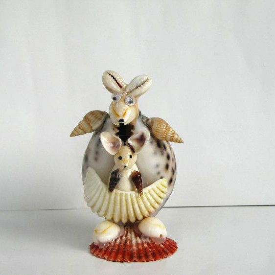 1000 images about seashell critters on pinterest shell for Animals made out of seashells