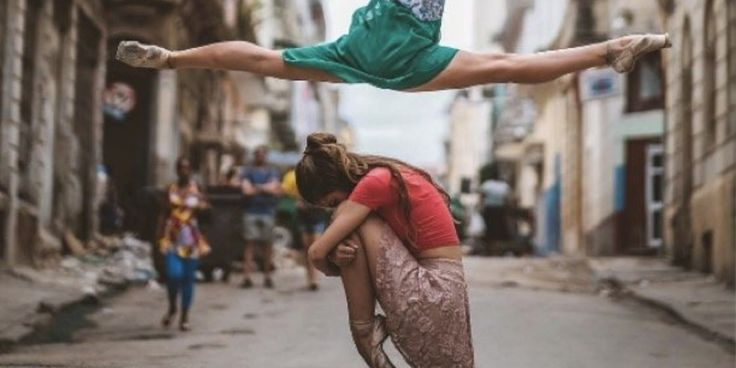 Cuba is home to some of the world's best ballet dancers. Photographer Omar Robles gives us a glimpse into their world.