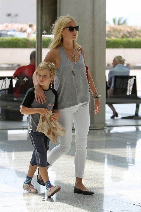 Gwyneth Paltrow airport style