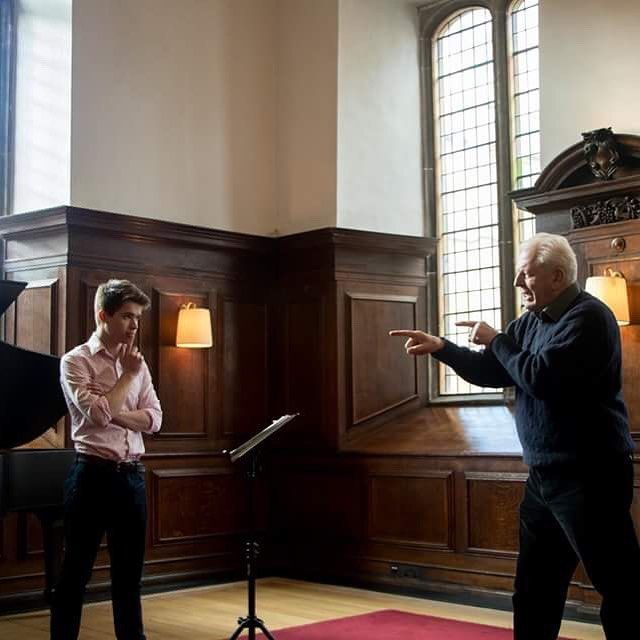 Today's photo is from our recent Lieder Masterclass with Sir Thomas Allen part of the thriving Pembroke Lieder Scheme. . The Pembroke music scene is a lively one with everything from weekly recitals to the upcoming St John Passion on the 15th March which will feature three choirs. To see all upcoming music events visit our website or http://ift.tt/2mK9uPO