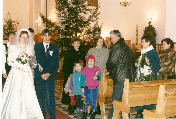12 kwietnia 1998 ślub Danuty Skoczylas z Pawłem Marcińczakiem w Nadrybiu
