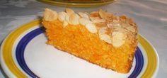Dizem que os bolos húmidos são os melhores, pode acreditar que este bolo de cenoura húmido com cobertura de amêndoa é um dos melhores bolos de cenoura que já provou.