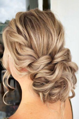 25 Charming Mom Of The Bride Hairstyles To Beautify The Huge Day