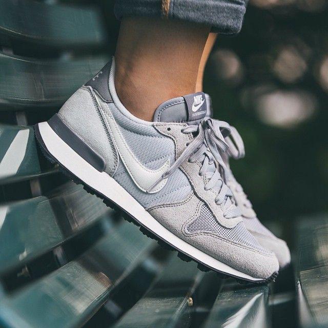 Nike WMNS Internationalist (grau / weiß) - 43einhalb Sneaker Store Fulda