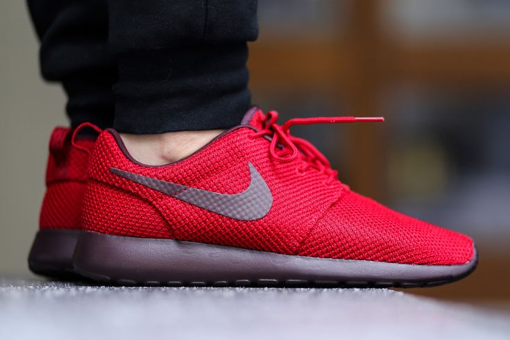 Red Nike Shoes Roshe