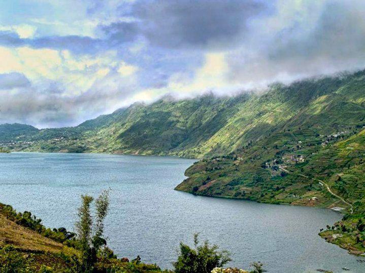 Danau Gunung Tujuh: Danau Tertinggi di Asia Tenggara | Travelmate ...